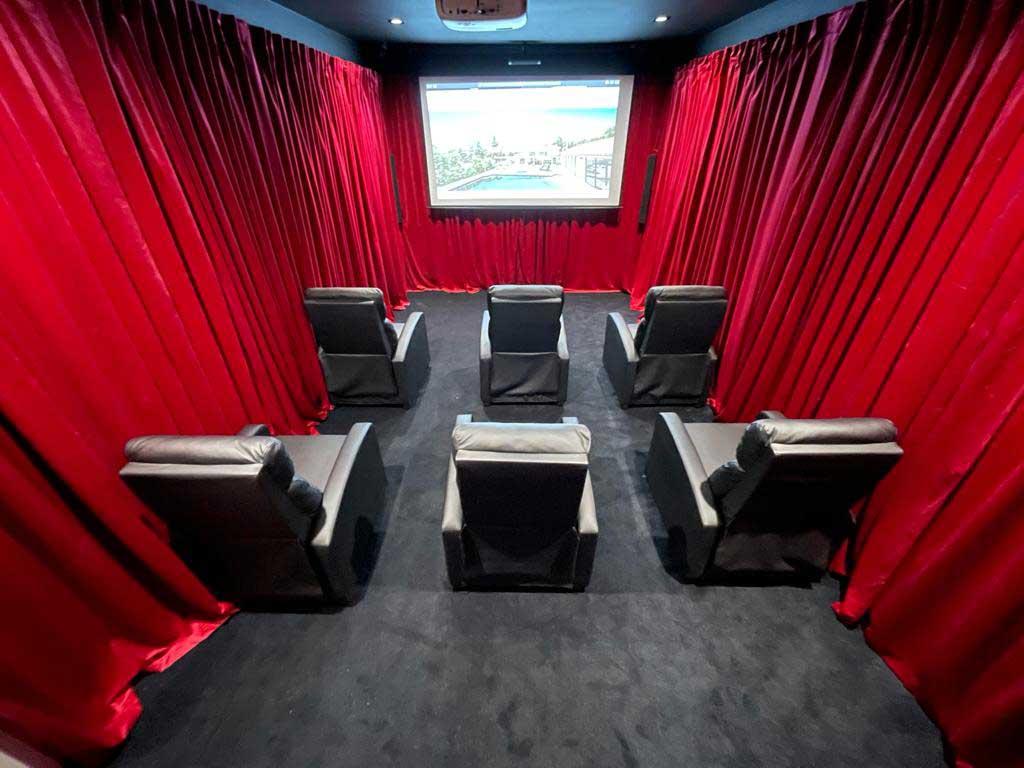 luxury-rehab-with-movie-theater