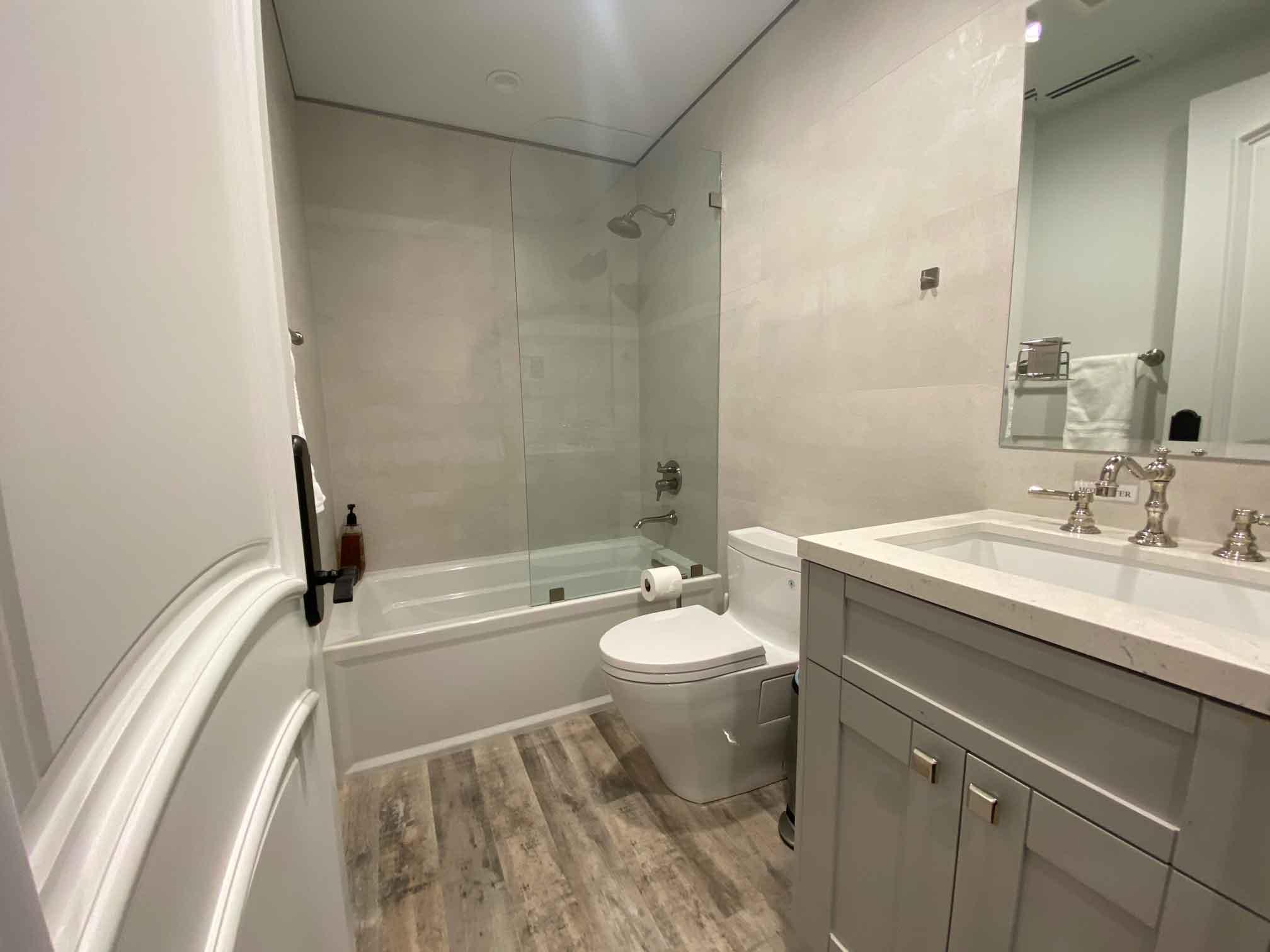 Residential-detox-center-bathroom