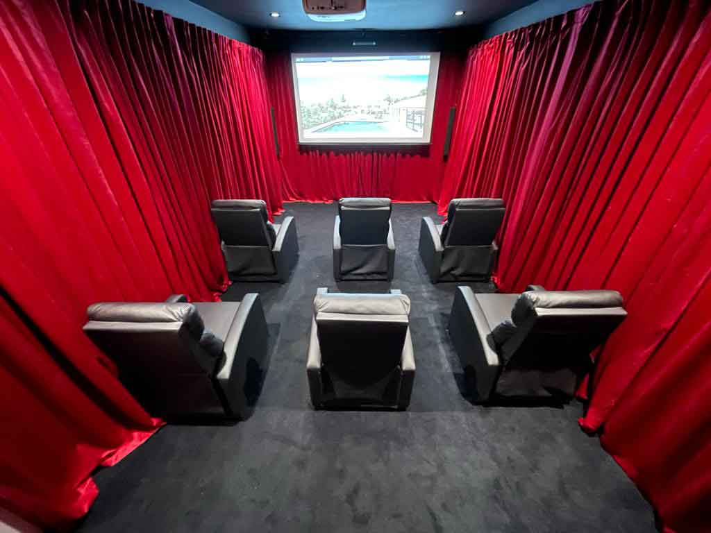 Residential-rehab-with-movie-theater